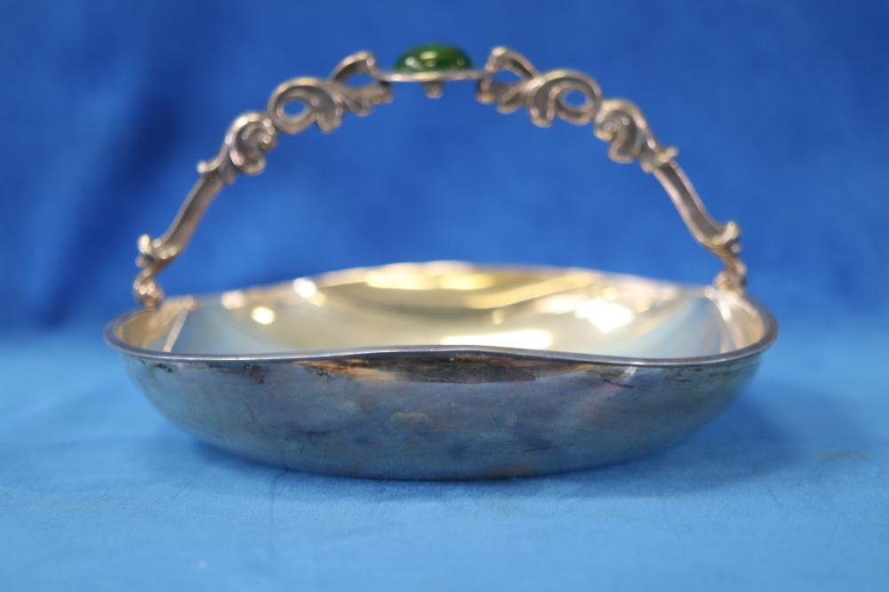 925 SILVER PERUVIAN BASKET, MADE BY CAMUSSO, WITH IMITATION GREEN STONE, 273 GRAMS TOTAL WEIGHT