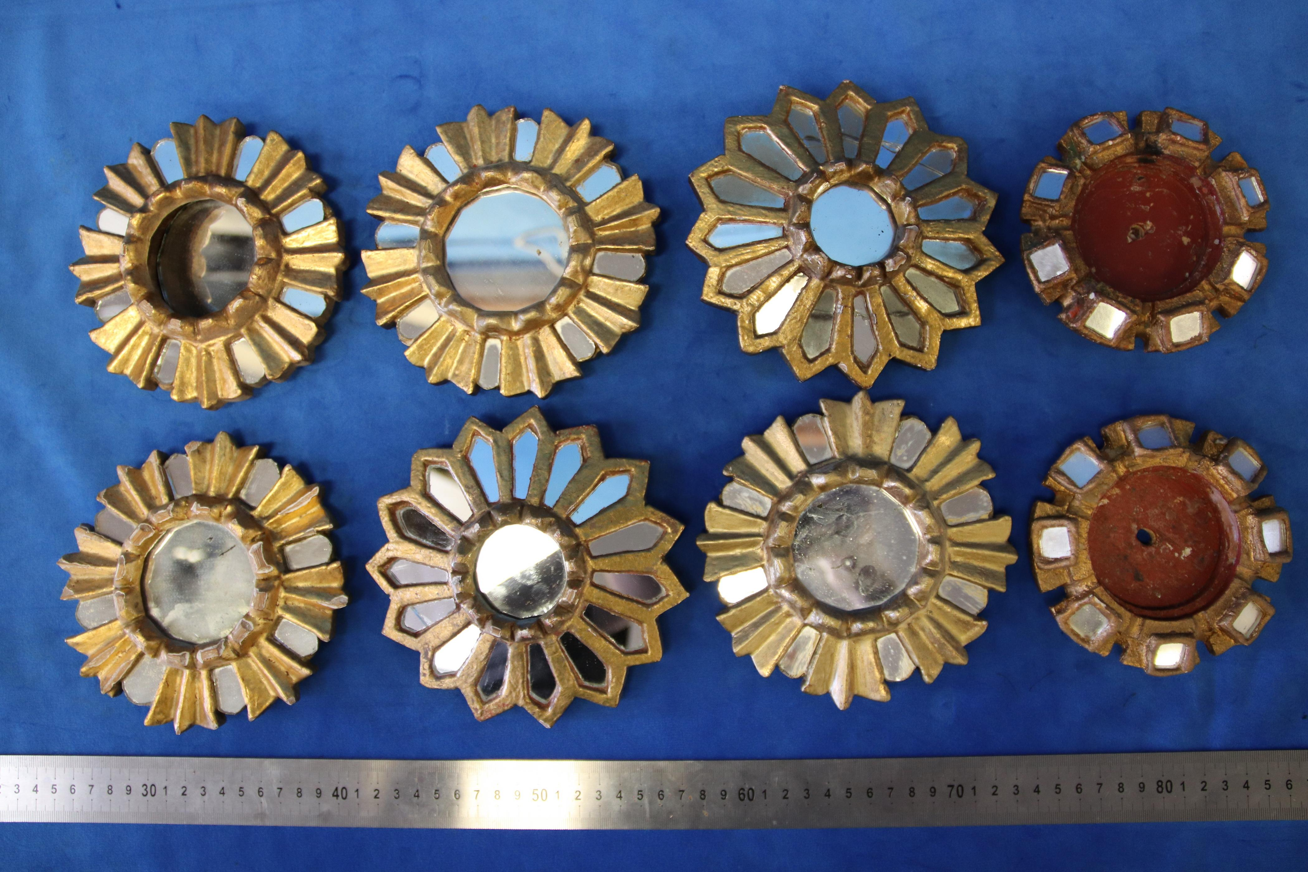 SET OF 6 SMALL PERUVIAN WALL MIRRORS, GOLD WOODEN FRAME WITH MIRROR PANELS 15CM DIAM (SOME A/F) AND 2 SMALL MIRROR FRAMES (A/F)