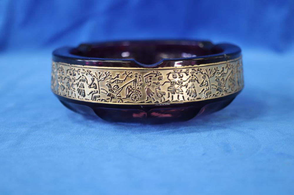 UNMARKED MOSER ASHTRAY, AMETHYST GLASS AND GOLD RELIEF (MINOR CHIP)