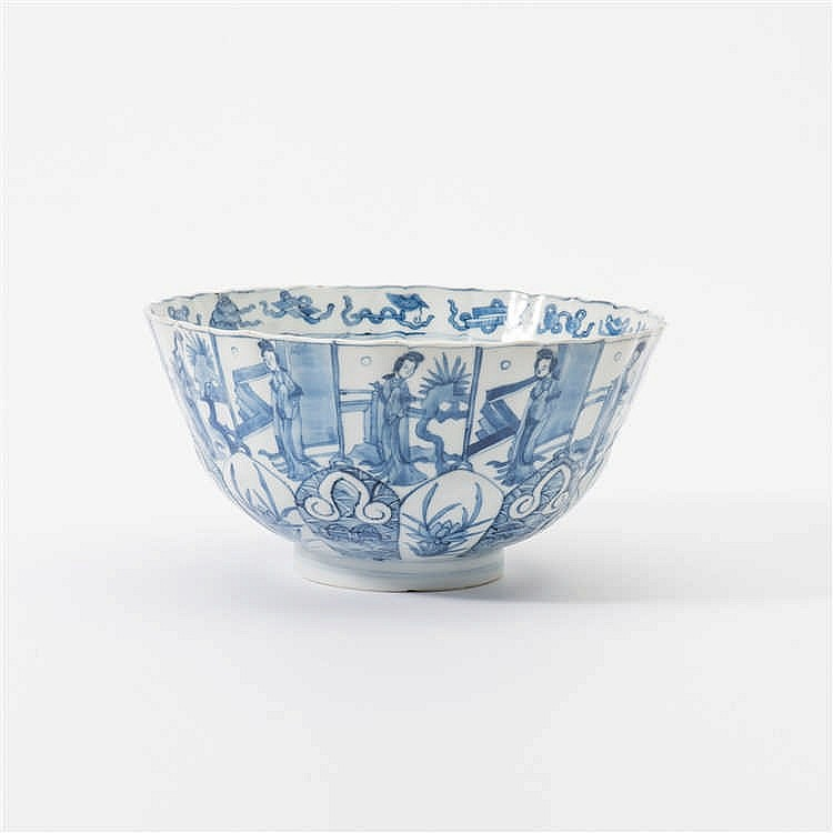 A curved blue and white bowl