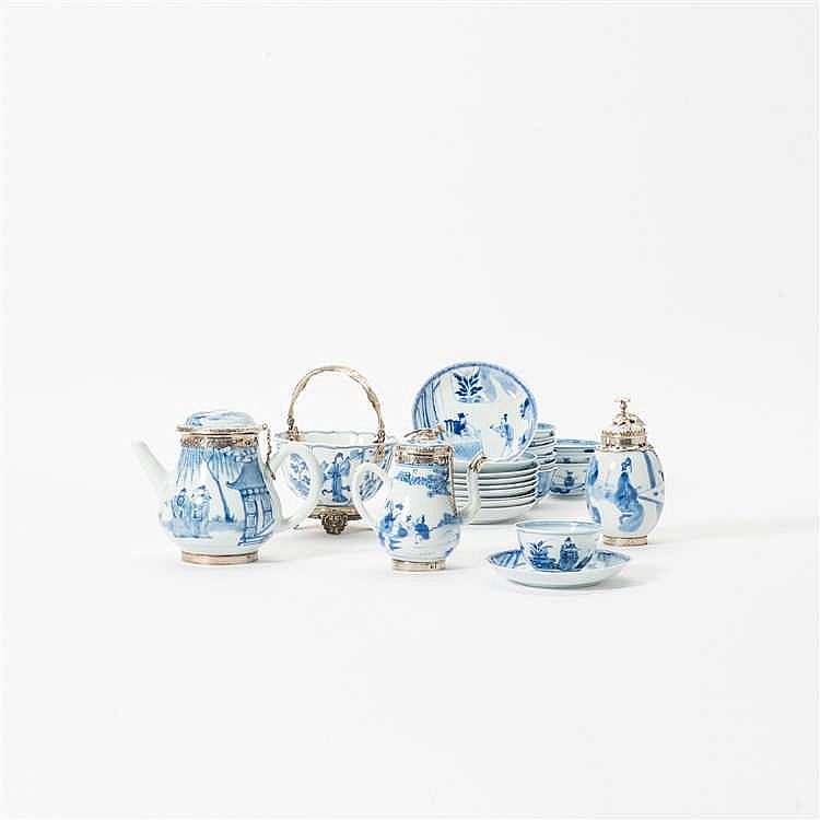 A comprised blue and white tea set