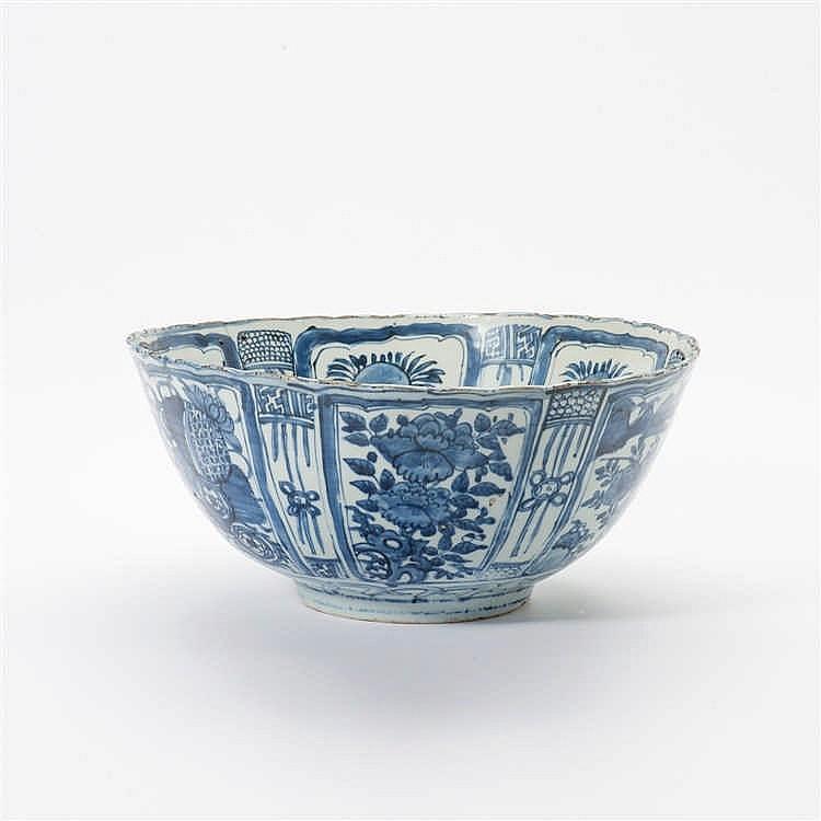 A large 'kraak' porcelain bowl