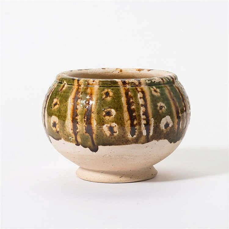 A bulbous sancai vase