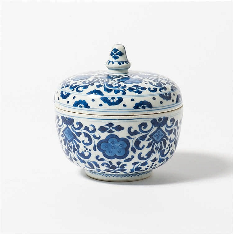 A blue and white lidded bowl