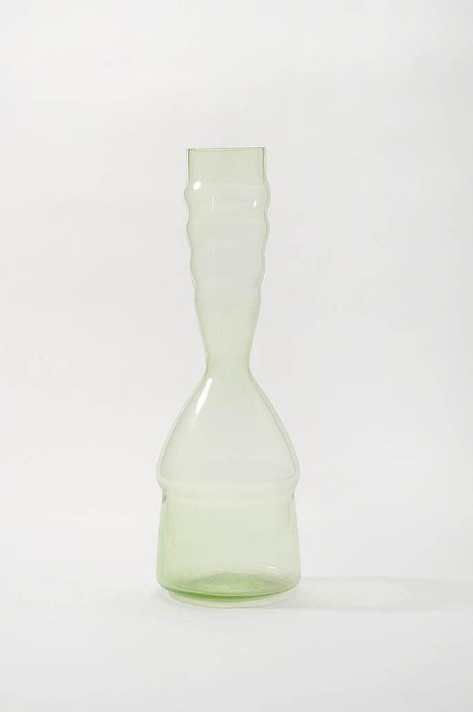 Een grote serica-glazen Leerdam vaas ontworpen