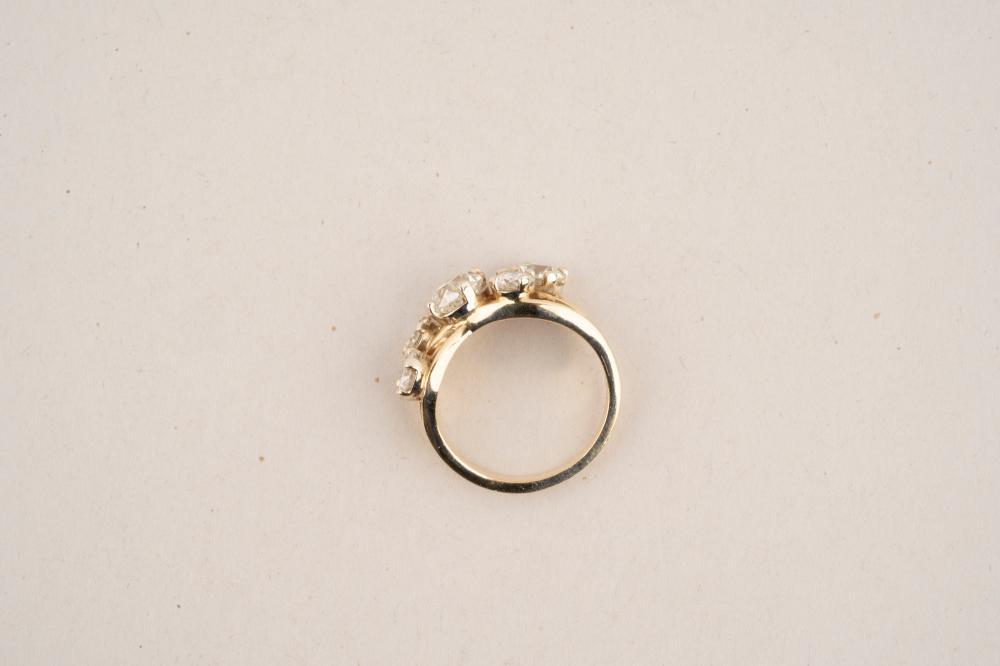 14 KARAT YELLOW GOLD & DIAMOND FREEFORM RING