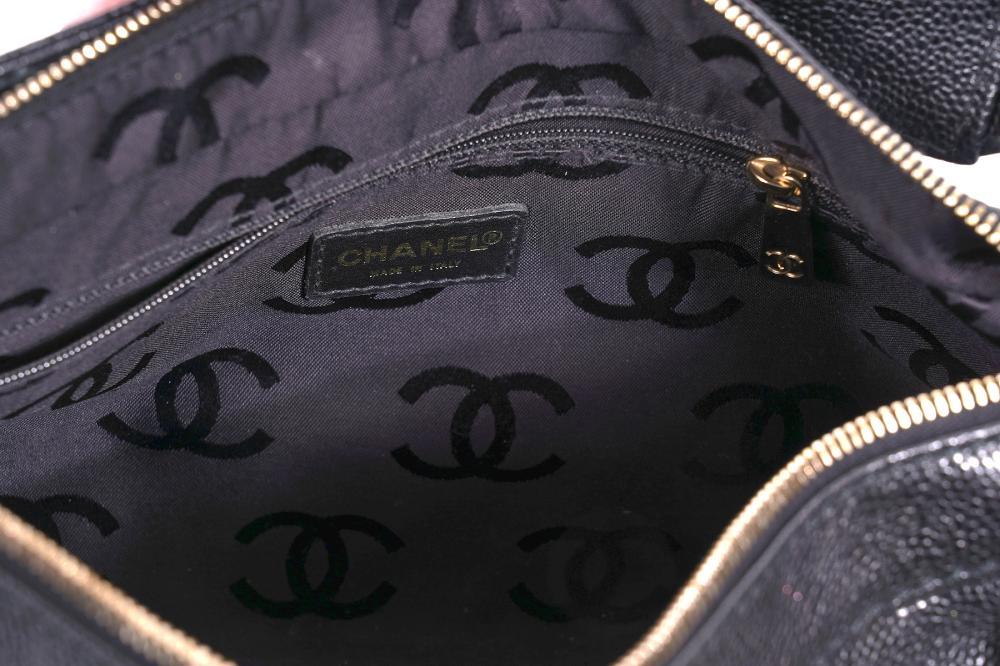Chanel Caviar Hand Bag Burled Wood Resin Chain