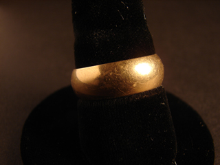 14k Solid Gold Ring Size 10    7.95 Grams