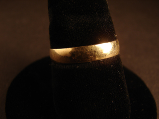 10k Solid Gold Ring Size 9 1/2     2.23 grams