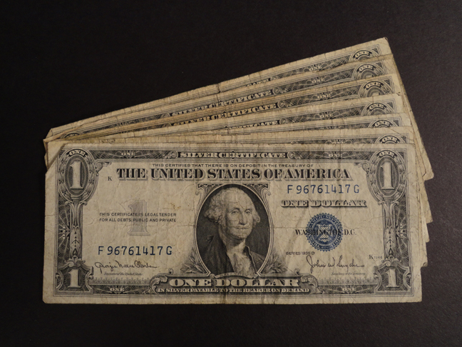 Lot of Seven 1 Dollar Silver Certificates 1935 D&G&F