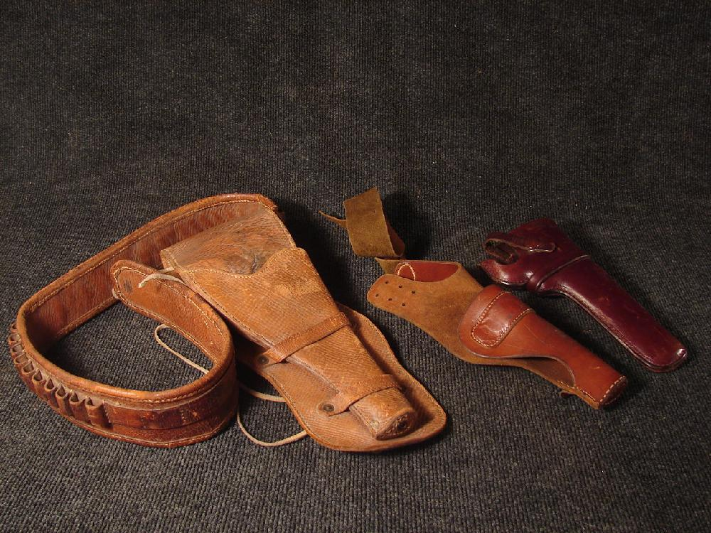 3 Vintage Leaterh Gun Holsters
