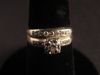 14kt Diamond Ring Wedding Set Size 7    3.93 grams Total