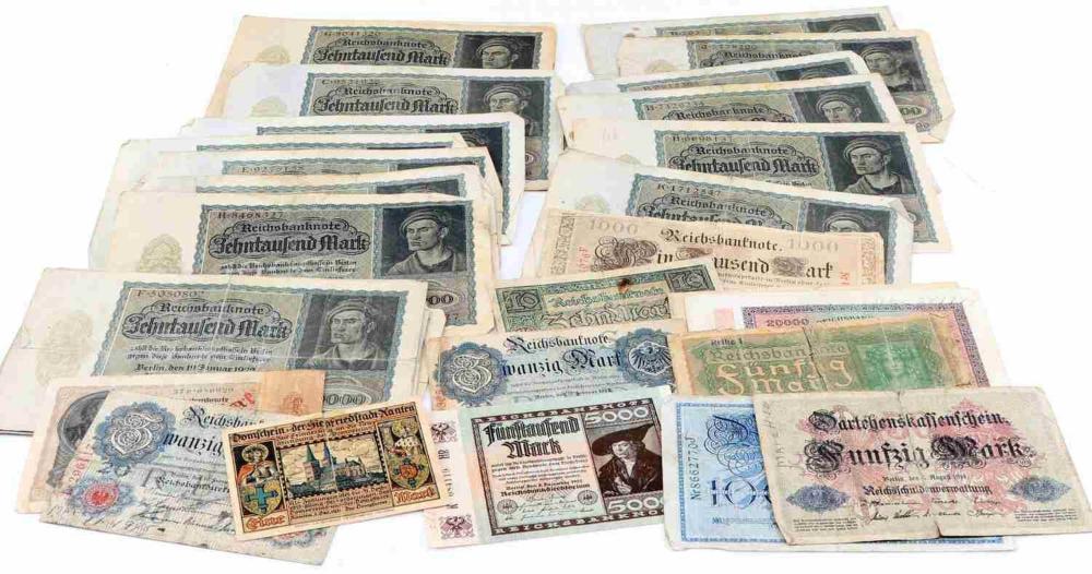 32 POST WWI GERMAN LARGE DENOMINATION BANKNOTES
