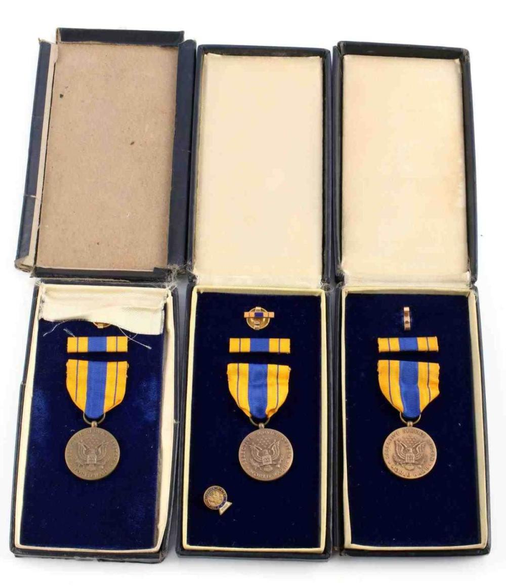 4 WWII US UNITED STATES SELECTIVE SERVICE MEDALS