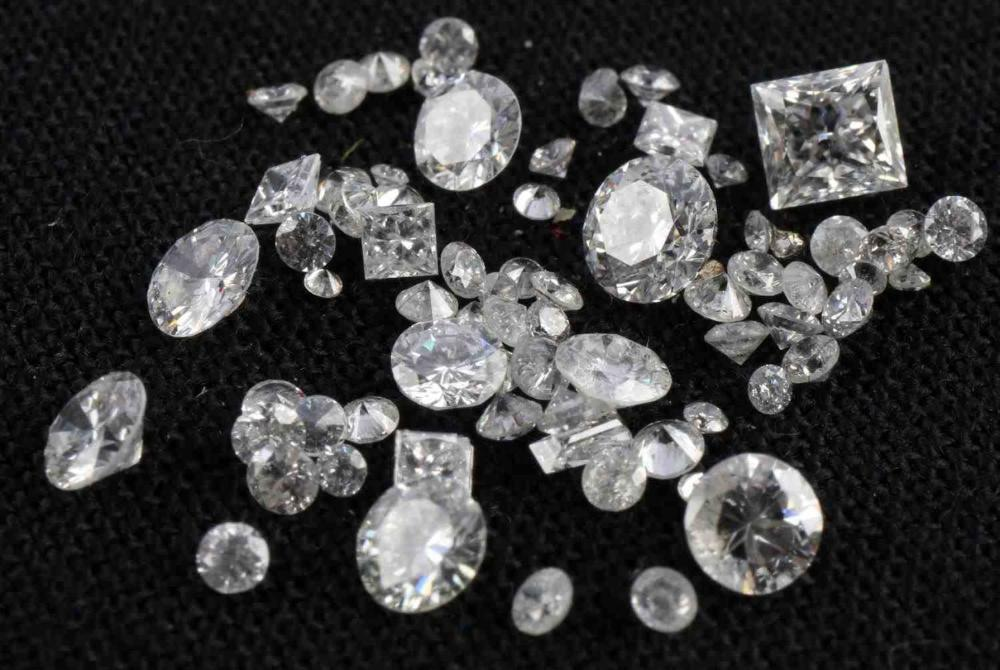 LOOSE RECLAIMED DIAMOND MELEE LOT TCW 3 CARATS