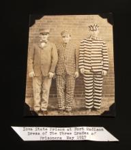 1917 IOWA STATE PRISON UNIFORM STYLE PHOTO