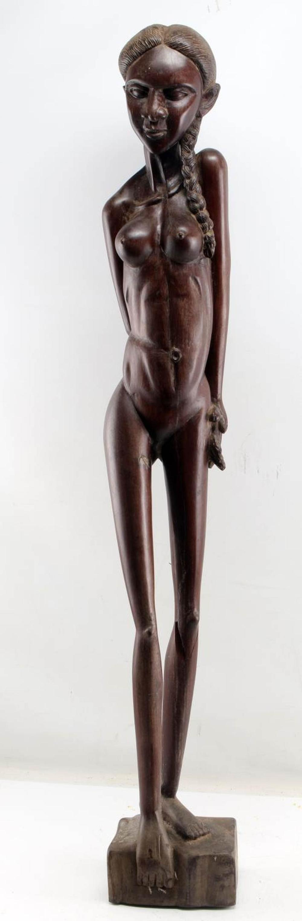 AFRICAN WOODEN SCULPTURE OF YOUNG NUDE WOMAN