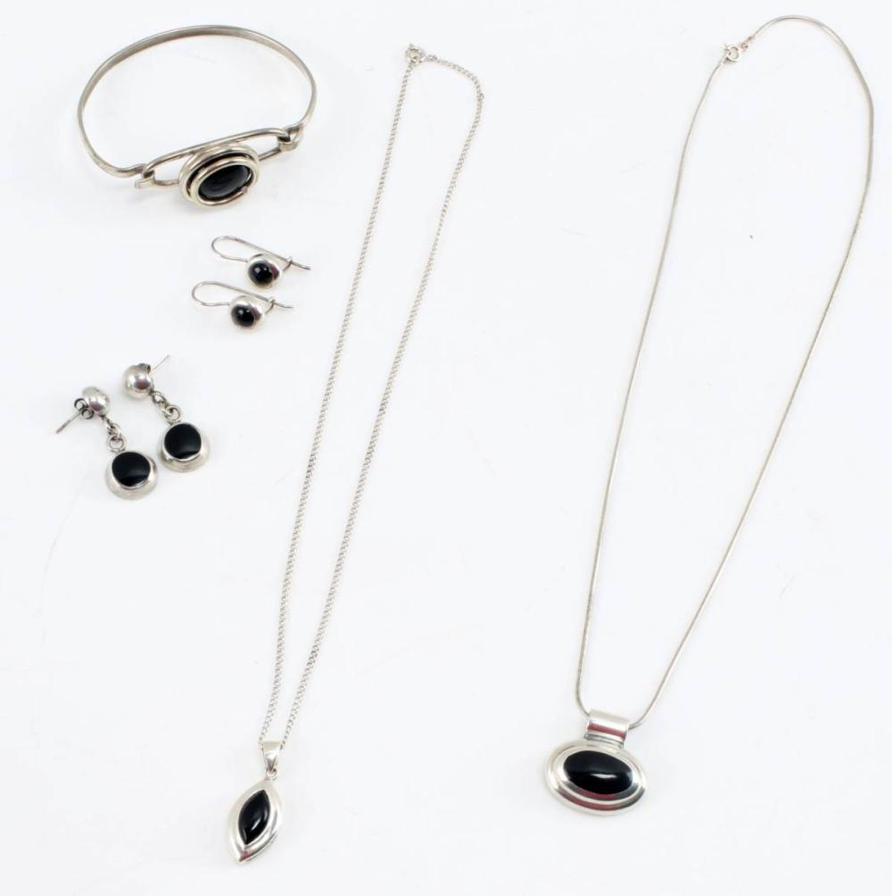 MODERN STERLING SILVER AND ONYX JEWELRY PARURE