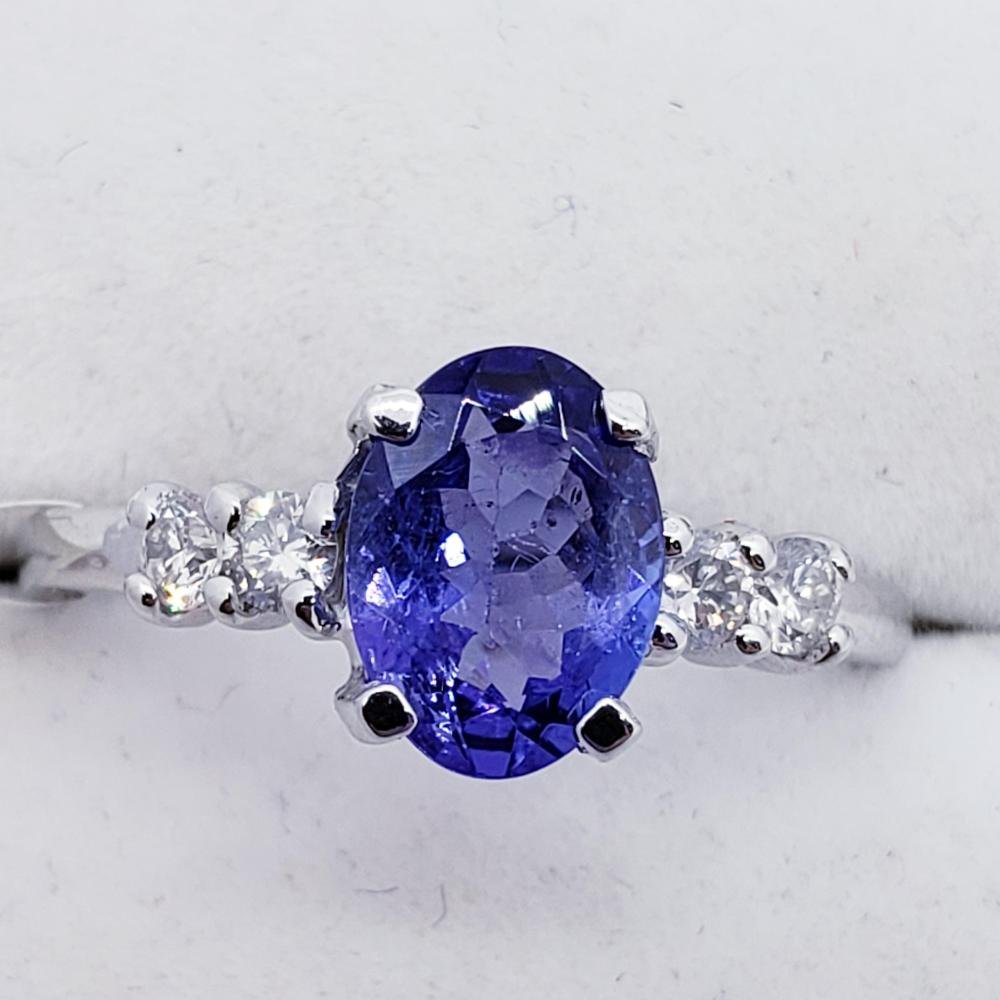 Certified 10K Tanzanite(1.48ct) Side Diamonds(0.2ct) Ring