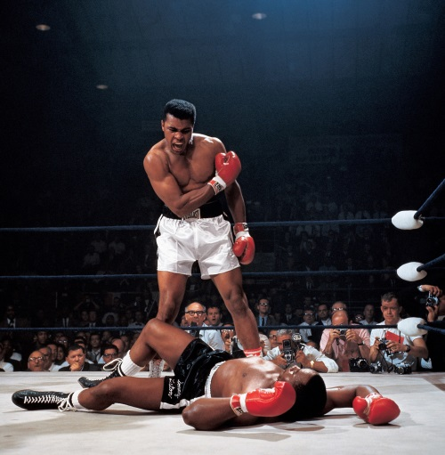 Neil Leifer (b. 1942), Famous photograph signed by Ali