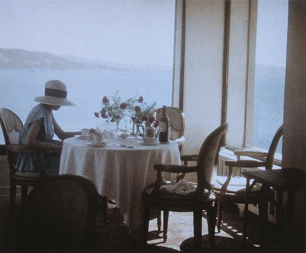 Jacques Henri Lartigue (1894-1986), Bibi at Eden Roc