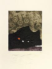 Antoni Clavé (1931-2005) Suite de 5 planches. 1976. Comprenant 3 lithographies (Papier froissé, Feuille rouge et Gant) et 2 gravures au carborundum (Signes ; Trois points). Parfaites épreuves imprimées en couleurs sur vélin fort, numérotées et signée