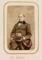 CORBIÈRE (Édouard). -Ensemble 2 portraits photographiques sur carton, l'un format carte postale (135 x 97 mm), l'autre format carte de visite (90 x 52 mm).