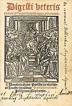 [JUSTINIEN]. Digesti veteris cu[m] fertilib[us] legu[m] su[m]mariis aurea p[ro]mulgatio. Paris, François Regnault, s.d. [2 août 1531]. In-8, basane fauve, double filet doré, dos orné, tranches mouchetées (Reliure du XIXe siècle).
