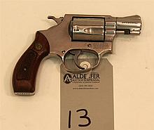 Smith & Wesson Model 60 Chief's Special Stainless double action revolver. Cal. 38 Spcl. 2