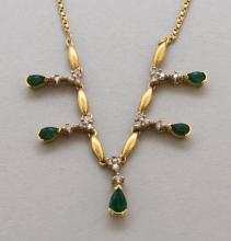 Gold Necklace with Emerald and Diamond