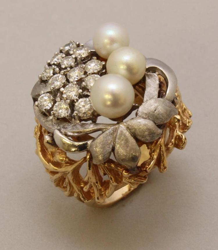 Gold Ring with Diamond and Pearl
