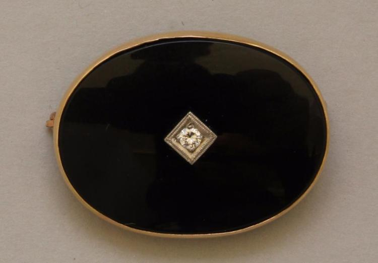 Gold Pin with Onyx and Diamond