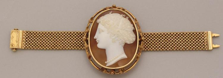 Gold Bracelet with Cameo