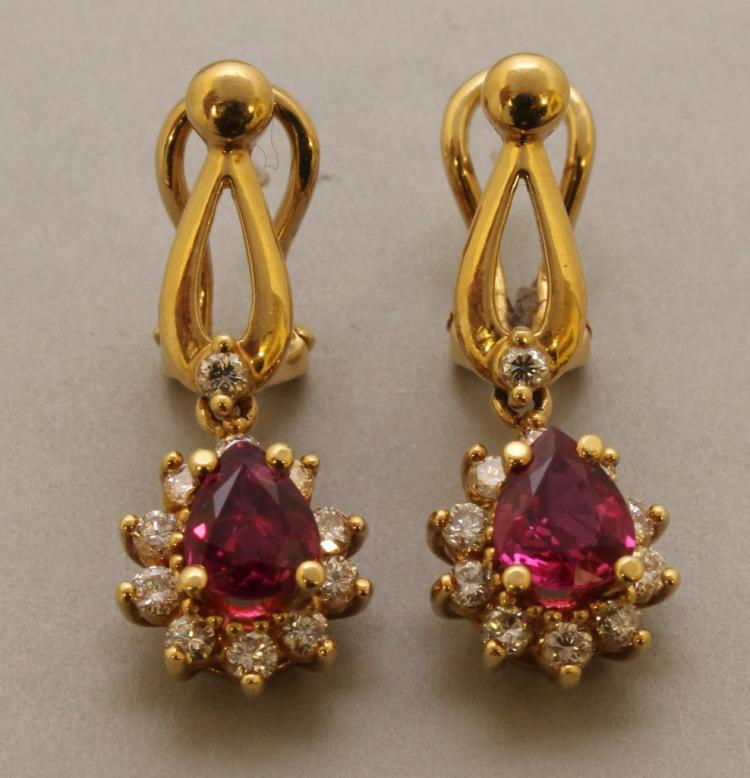 Gold Earrings with Ruby and Diamond