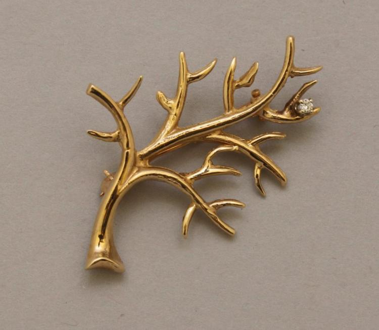 Gold Pin with Diamond