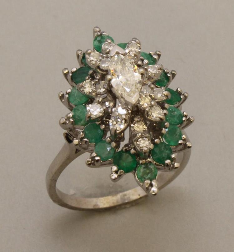 Gold Ring with Emerald and Diamond