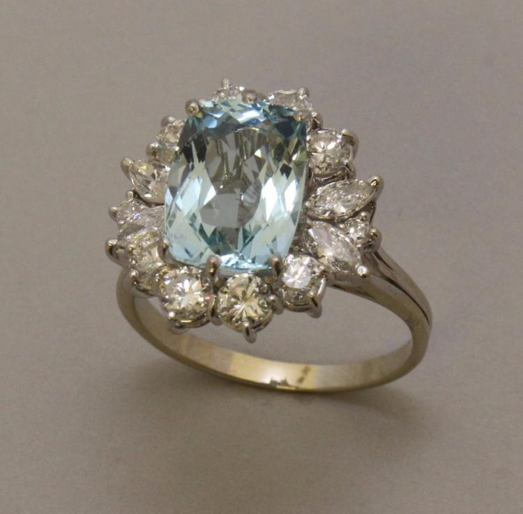Gold Ring with Aquamarine and Diamond