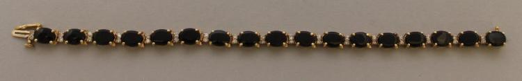 Gold Bracelet with Onyx and Diamond