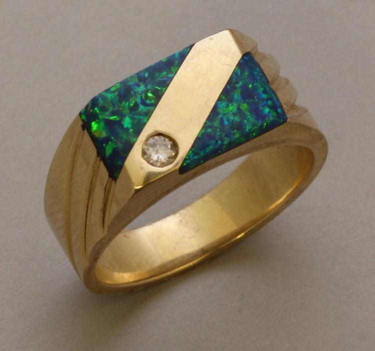 Gold Ring with Opal and Diamond