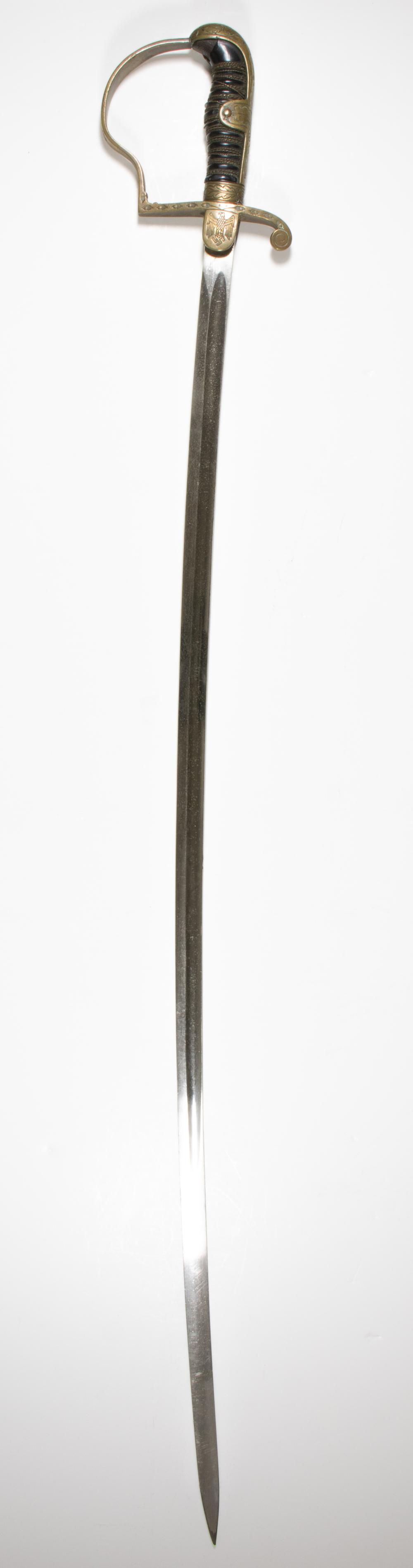 WORLD WAR II GERMAN OFFICER'S SWORD