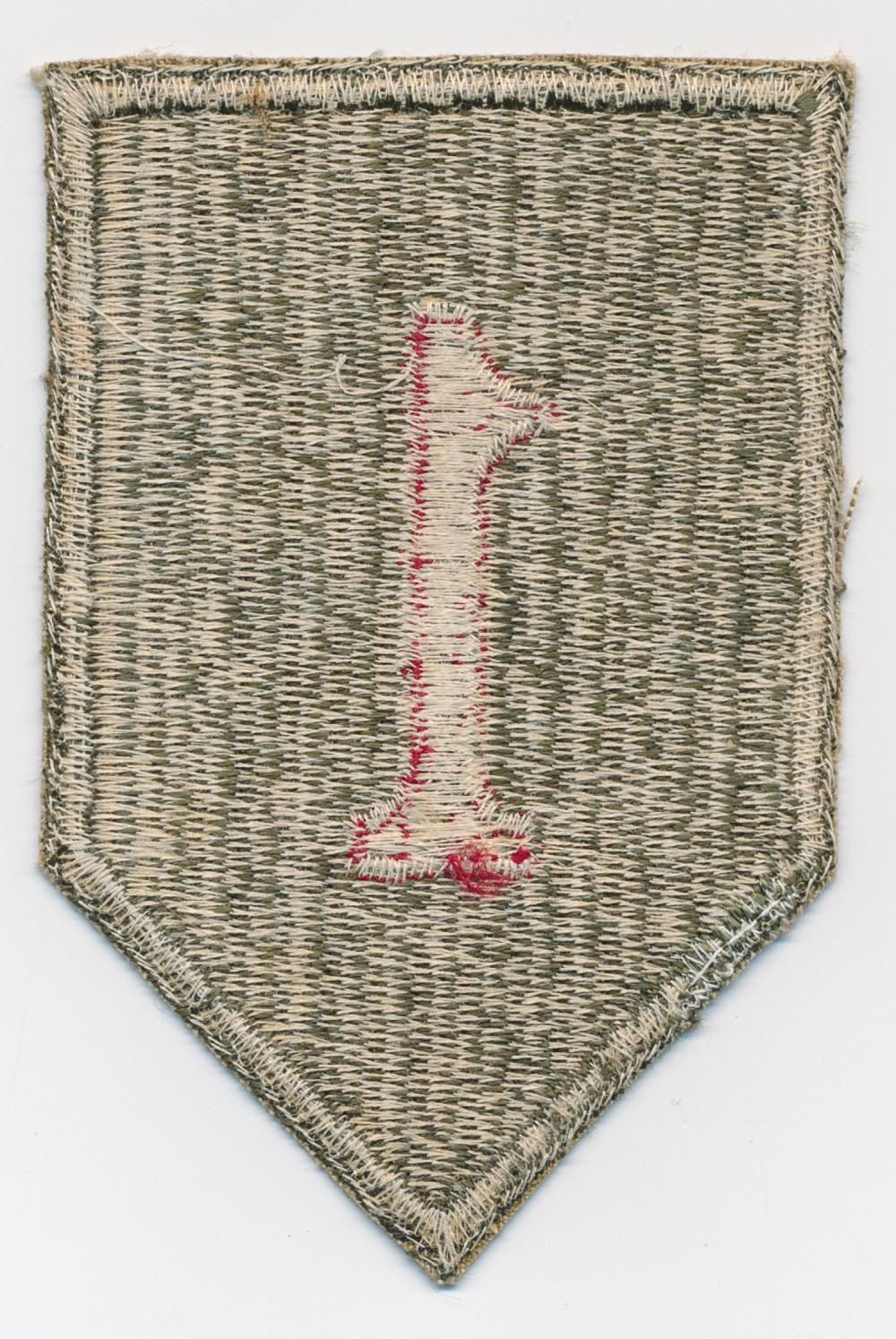 GEN. CLARENCE R. HUEBNER'S 1ST ARMY DIVISION SHOULDER PATCH