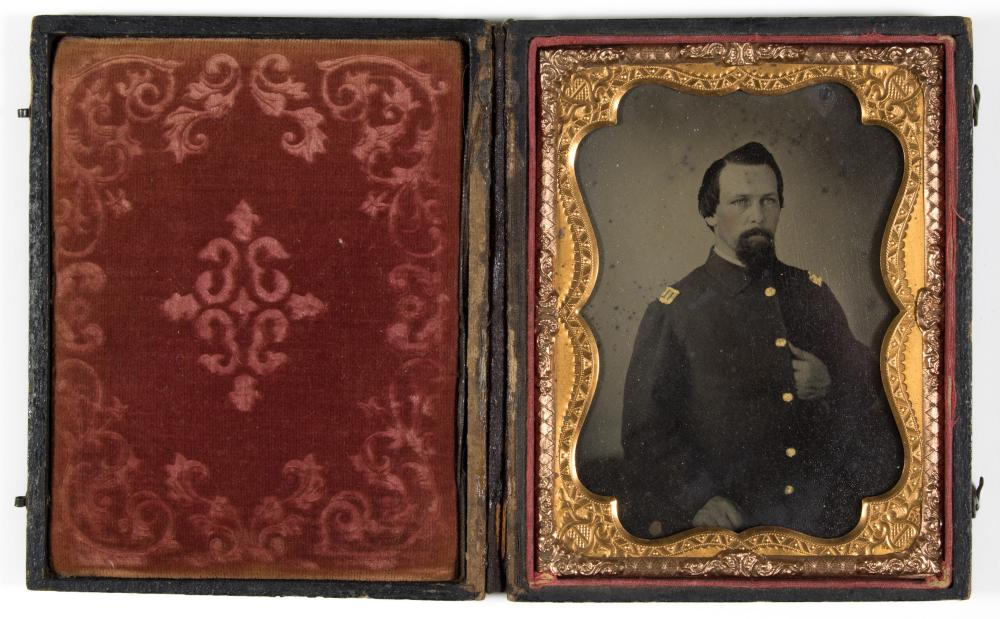 UNION SOLDIER QUARTER PLATE TINTYPE