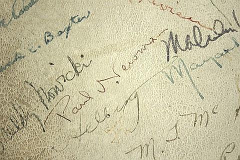 MAMA LEONE'S AUTOGRAPH WALL - Current Bid: $440.00