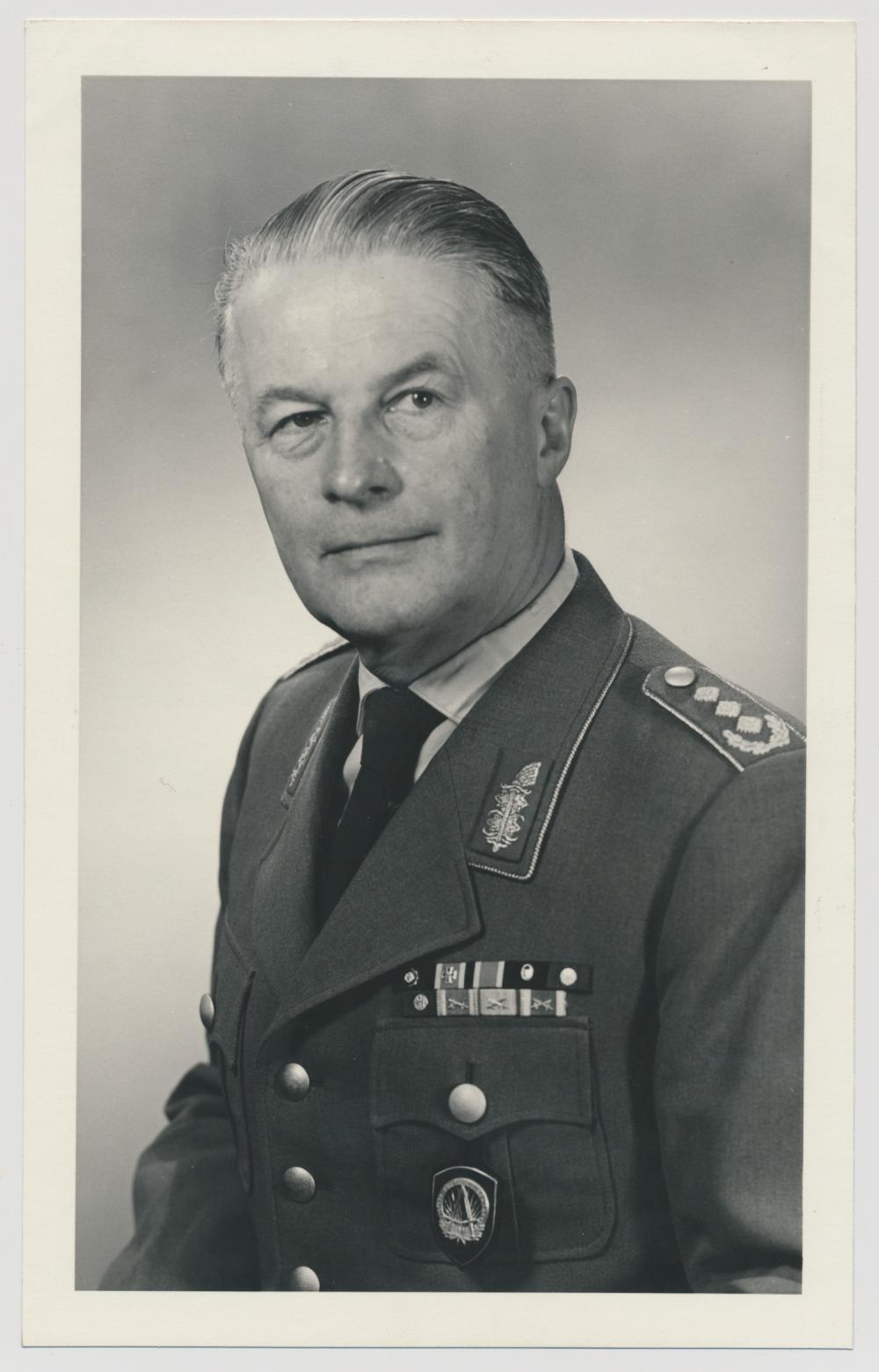 BURKHART MULLER-HILLEBRAND