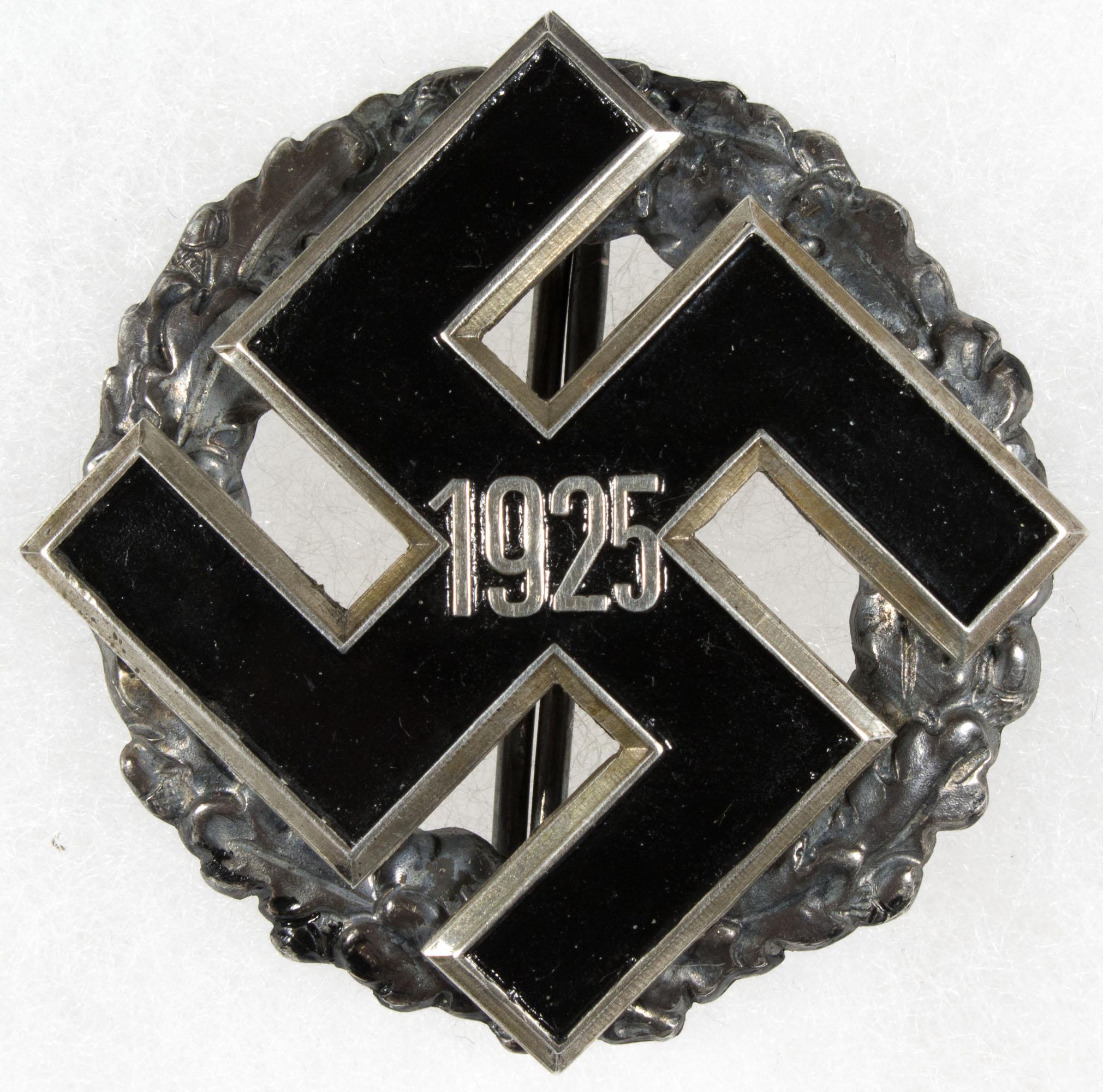 1933 NSDAP DISTRICT COMMEMORATIVE BADGE