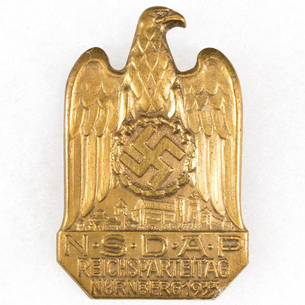 REICHSPARTEITAG NURNBERG 1933 BADGE
