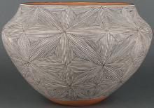 Rebecca Lucario | Fine Line Acoma Pot
