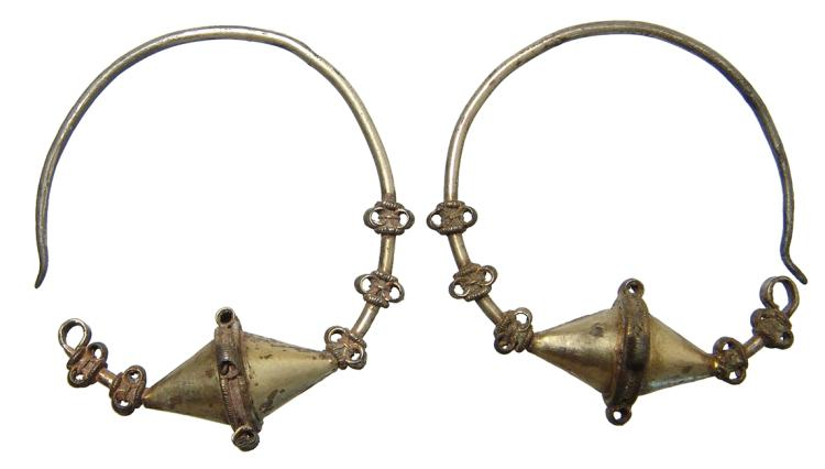 A pair of Scythian electrum earrings