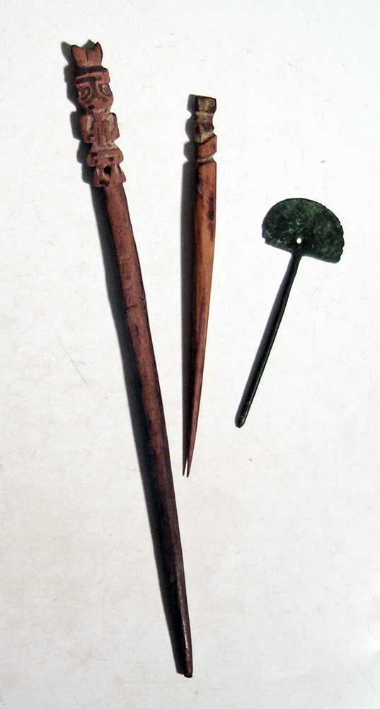 A pair of Pre-Columbian weaving tools