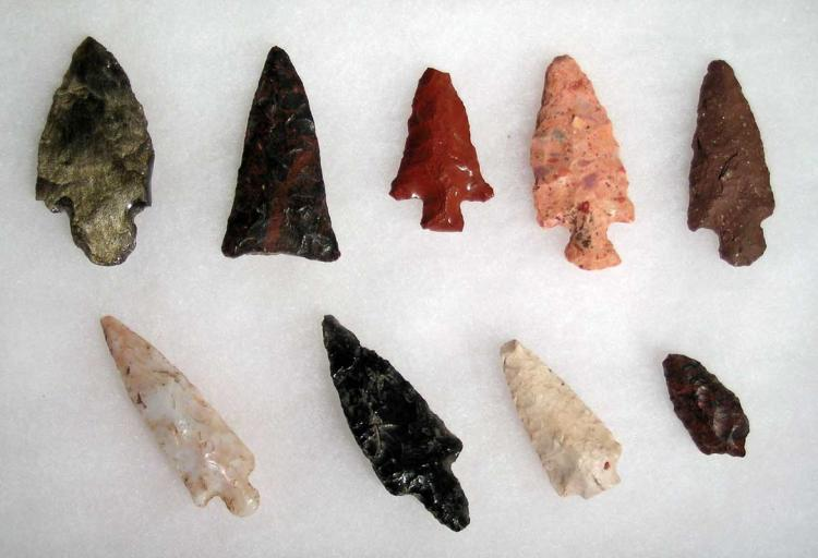 9 Teotihuacan spear points and arrowheads